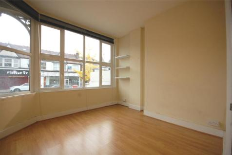 High Road, North Finchley, N12. 2 bedroom apartment