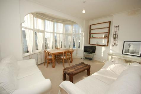 Holly Park, Finchley, London, N3. 2 bedroom apartment