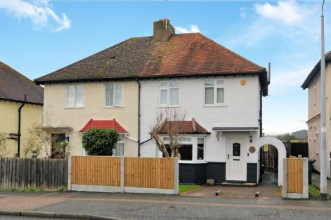 Shaftesbury Road, Epping. 3 bedroom semi-detached house