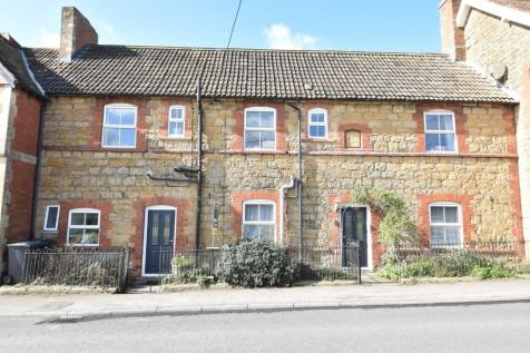 Sherborne, Dorset, DT9. 3 bedroom terraced house