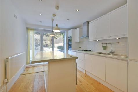 Goldhurst Terrace, South Hampstead, NW6. 3 bedroom flat for sale