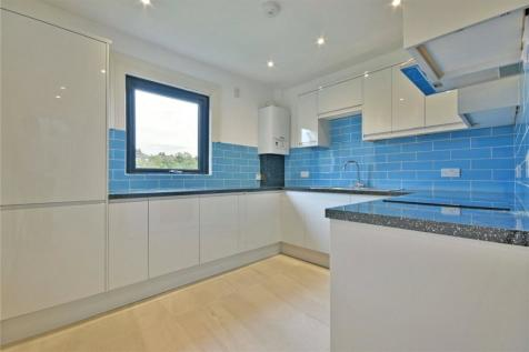 Fordwych Road, West Hampstead Borders, NW2. 4 bedroom flat for sale
