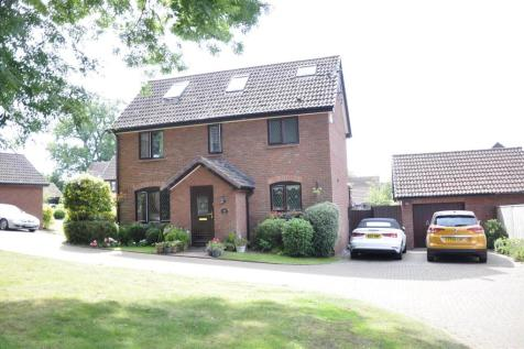 Tithebarn Copse, EXETER. 4 bedroom detached house