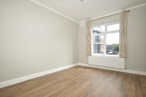 Springfield Road Horsham RH12. 2 bedroom apartment