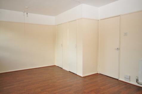 Crasswell Street Portsmouth PO1. Studio flat