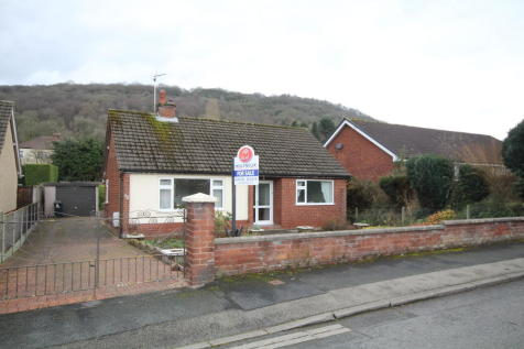 Derby Road, Caergwrle, North Wales - Detached Bungalow / 2 bedroom detached bungalow for sale / £169,950
