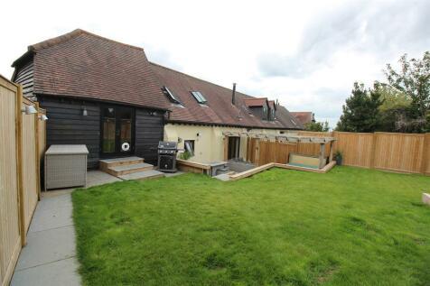 Weston Road, Stevenage, SG1 4XS. 3 bedroom barn conversion