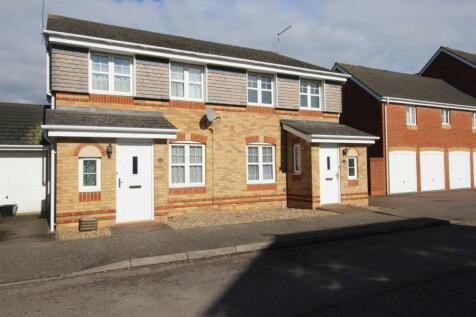 Epsom Close, Stevenage, SG1 5TF. 3 bedroom semi-detached house