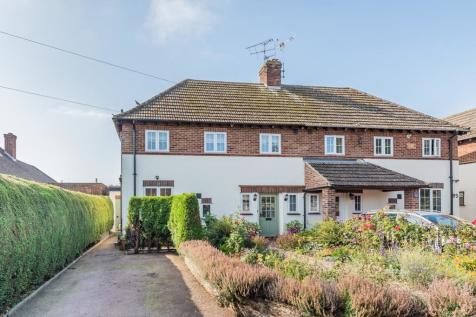 Waterdell Lane, St Ippolyts, Hitchin, SG4. 3 bedroom semi-detached house