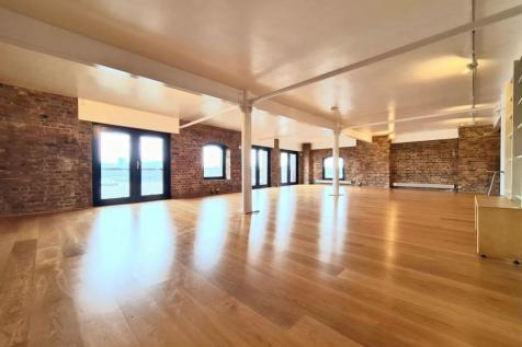St Johns Wharf, Wapping High Street, London, E1W. 3 bedroom apartment