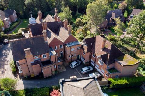 Kemnal Road, Chislehurst, BR7 6LT. 1 bedroom flat