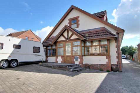 Drayton, Portsmouth. 5 bedroom chalet
