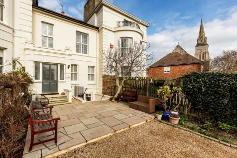 Kent Road, Southsea. 4 bedroom terraced house for sale