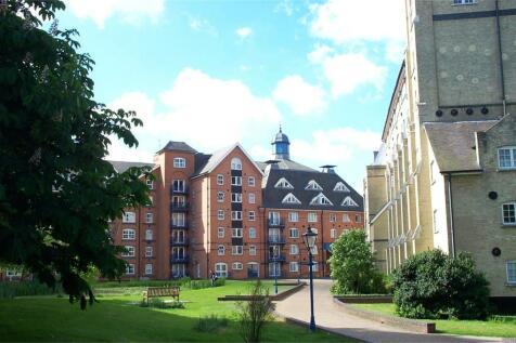 Waterside Place, Sawbridgeworth, Hertfordshire. 1 bedroom flat