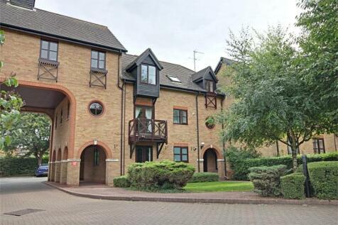 Lawrence Moorings, Sawbridgeworth, Hertfordshire. 2 bedroom flat