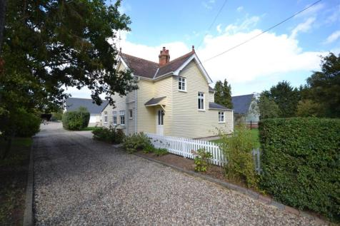 Green Lane, Burnham-On-Crouch. 3 bedroom detached house