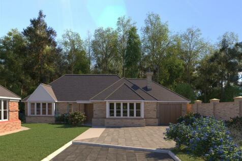 Oakview, Stoney Hills, Burnham-On-Crouch. 3 bedroom detached bungalow