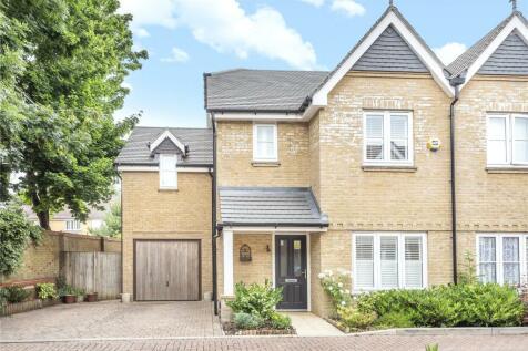 Ash Mews, Caterham, Surrey, CR3. 4 bedroom semi-detached house