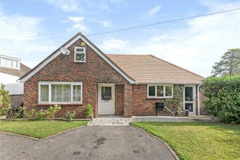 Uplands Road, Kenley, CR8. 3 bedroom bungalow