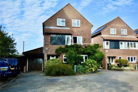 Blossom Close, South Croydon, CR2. 4 bedroom detached house for sale