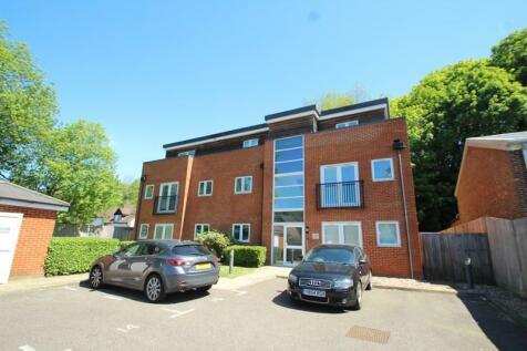 Woodside, 147 Godstone Road, Whyteleafe, Surrey, CR3. 2 bedroom apartment
