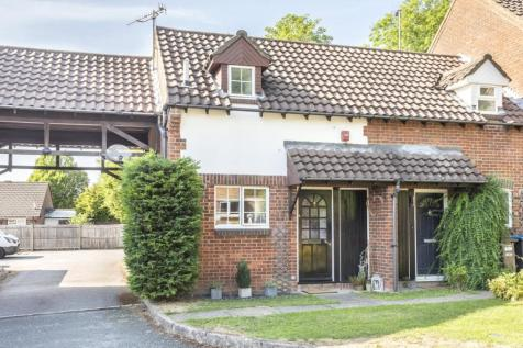 Hill View, Whyteleafe, Surrey, CR3. 1 bedroom semi-detached house