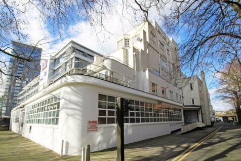 Uxbridge Road, Ealing. 2 bedroom flat