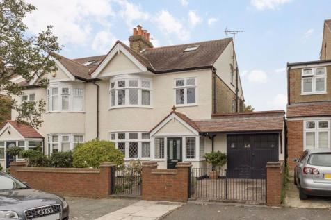Cawdor Crescent, Hanwell. 4 bedroom house for sale