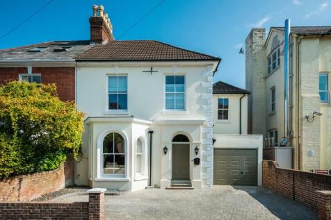 The Avenue, Salisbury. 5 bedroom semi-detached house for sale
