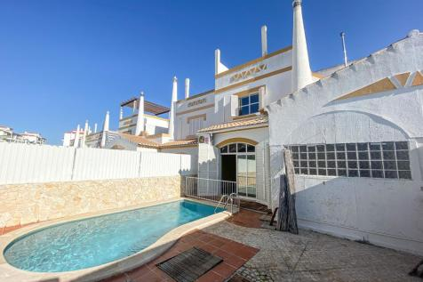 Lagos, Algarve. 3 bedroom villa for sale