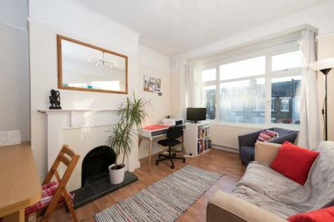 Hamilton Road, Wimbledon, SW19. 2 bedroom flat