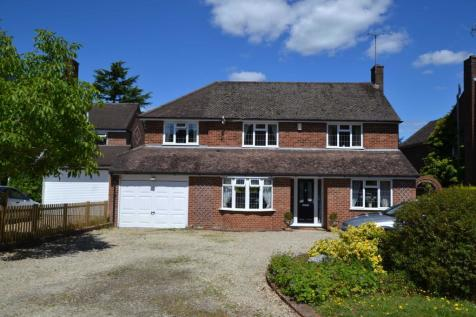 Chazey Road, Caversham Heights. 4 bedroom detached house for sale