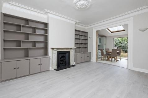 Shelgate Road, SW11. 2 bedroom flat