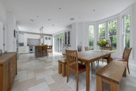 Spencer Road, London, SW18. 5 bedroom end of terrace house for sale