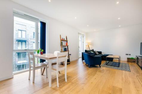 Danvers Avenue, SW11. 2 bedroom apartment