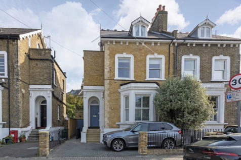 Elsynge Road, London, SW18. 4 bedroom semi-detached house