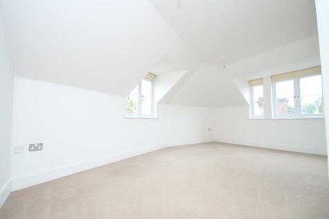 Oakwood Avenue, Beckenham, BR3. 2 bedroom flat