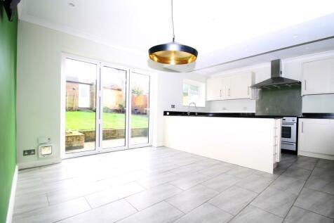 Westgate Road, Beckenham BR3. 4 bedroom semi-detached house