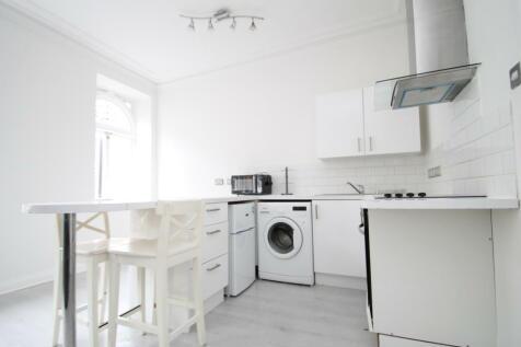 High Street, Bromley BR1. 1 bedroom flat
