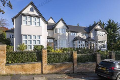 Albion Hill, Loughton IG10. 2 bedroom flat