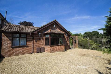 Goldings Rise, Loughton, IG10. 4 bedroom detached bungalow for sale