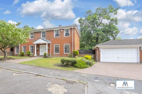 Audleigh Place, Chigwell. 4 bedroom detached house for sale