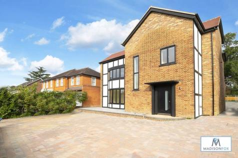 Meadow Way, Chigwell. 4 bedroom detached house for sale