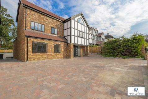 Meadow Way, Chigwell. 6 bedroom detached house for sale