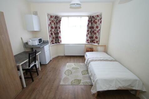 Westdown Road, SE6. 1 bedroom house share