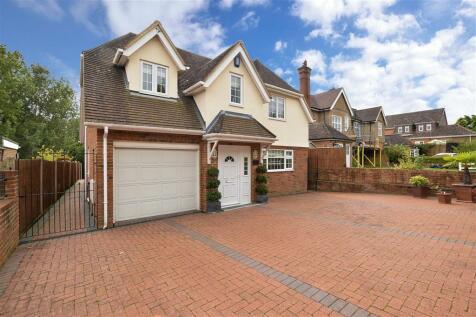 Ashford Road, Bearsted, Maidstone, Kent. 3 bedroom detached house