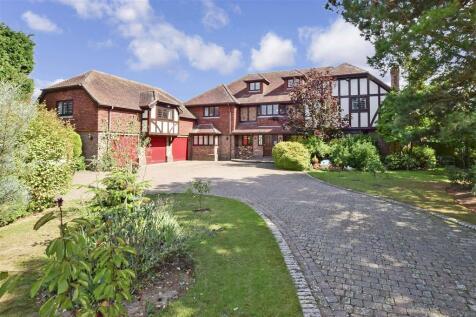Madeira Road, Littlestone, Kent. 6 bedroom detached house