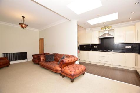Leybourne Road, Leytonstone. 4 bedroom terraced house