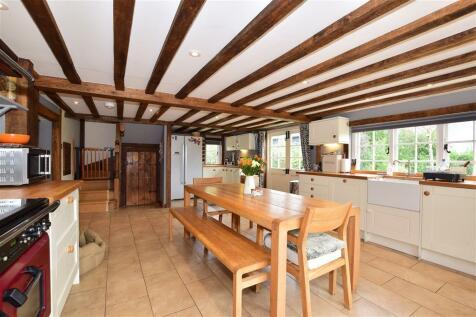 Howland Road, Marden, Tonbridge, Kent. 4 bedroom detached house