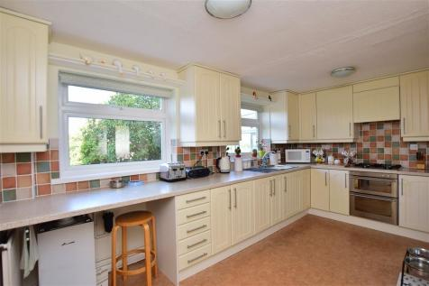 Primrose Drive, Ditton, Kent. 3 bedroom semi-detached house